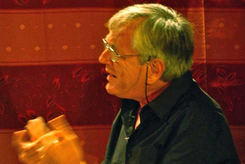 Jacques Maréchal, lecteur de Contes en Bande lors de la lecture des contes de Pépito Matéo